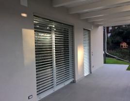 portico con oscuranti_rid